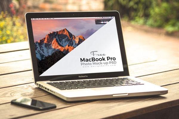 free-macbook-pro-photo-mock-up-psd
