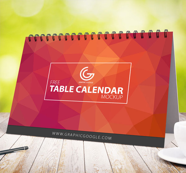 free-table-calendar-mock-up-for-2017